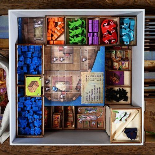 bordspellen-the-isle-of-cats-big-box-and-wooden-insert (1)